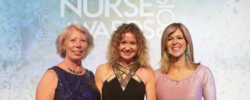 Nurse Who Helps Isolated Male Patients Wins Top UK Nursing Prize